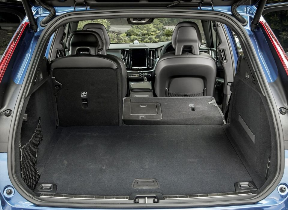 Volvo XC60 T6 AWD Boot space