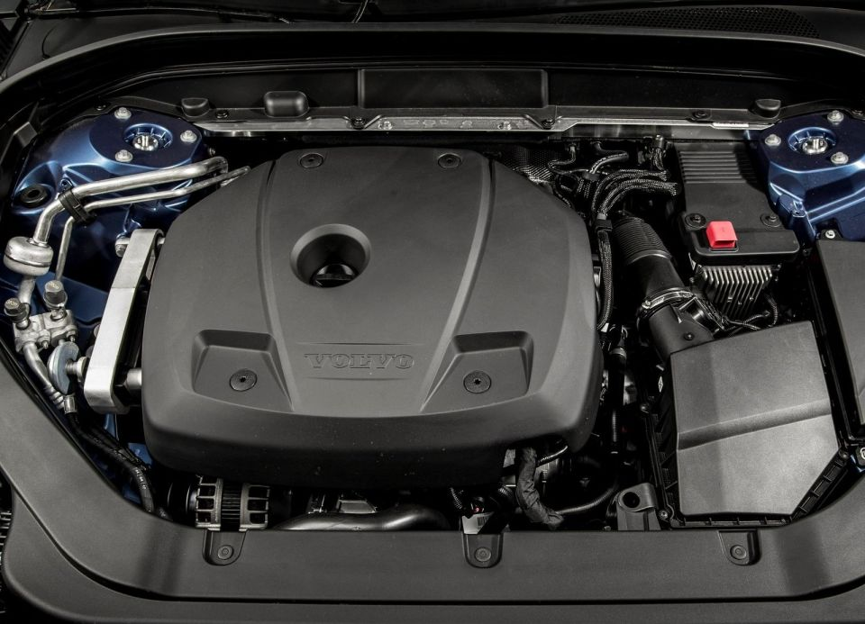Volvo XC60 T6 AWD Turbocharged and Supercharged engine