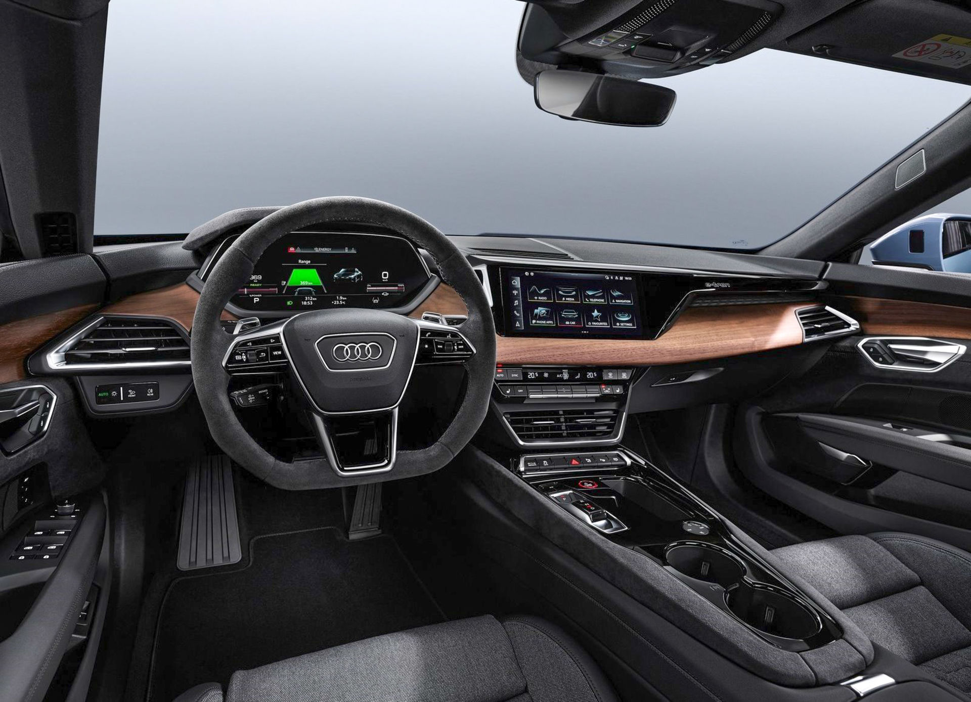 AUDI: e-tron GT revealed - and an RS too! Cockpit