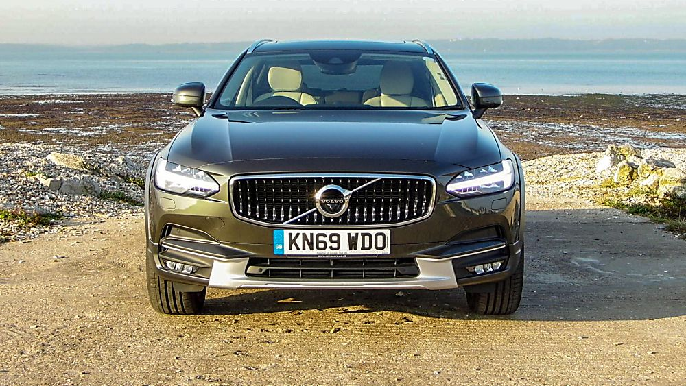 Volvo V90 Cross Country Lights