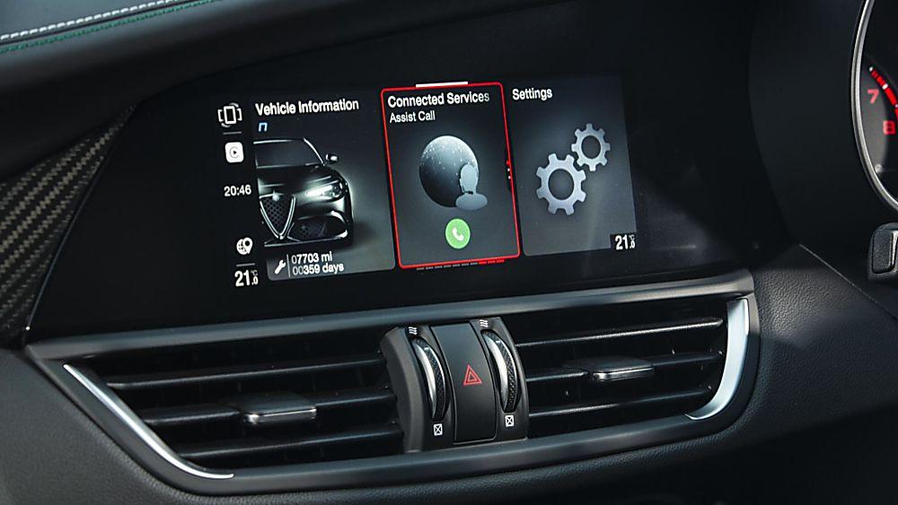 Alfa Romeo Giulia Quadrifoglio Verde Infotainment