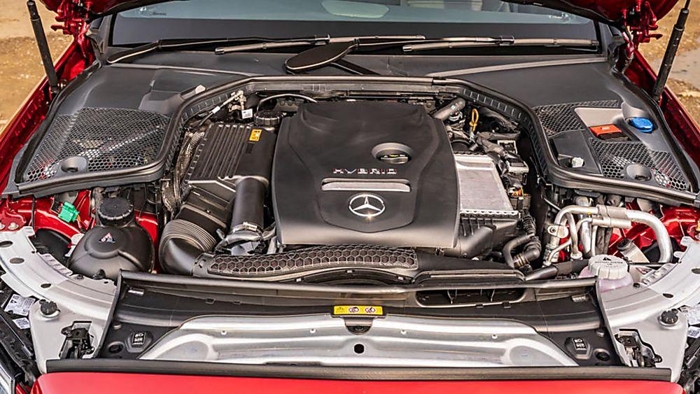 2020 Mercedes-Benz C 300 e PHEV Estate Engine