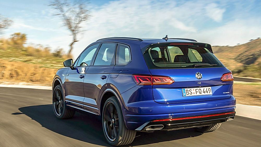 VOLKSWAGEN: Orders open for Touareg R PHEV flagship On the Road Rear