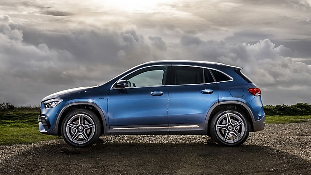 Review: Mercedes-Benz GLA 250 e PHEV Side