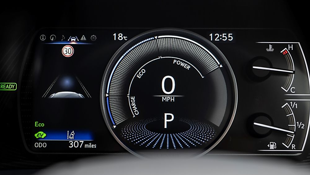 Review: Lexus ES300h saloon - Virtual Cockpit