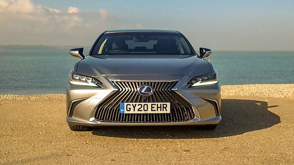 Review: Lexus ES300h saloon - Front