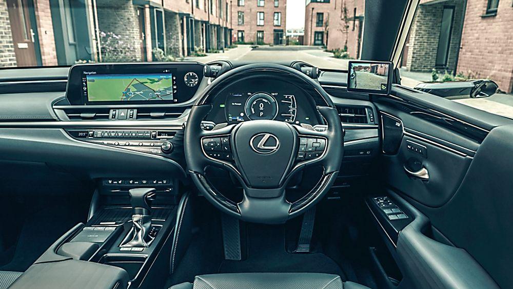 Review: Lexus ES300h saloon - Interior Front