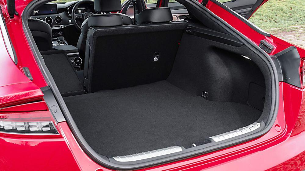 Review: KIA Stinger GT S Boot
