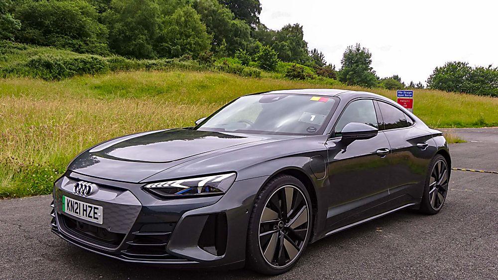Review: Audi e-tron GT quattro Front Side