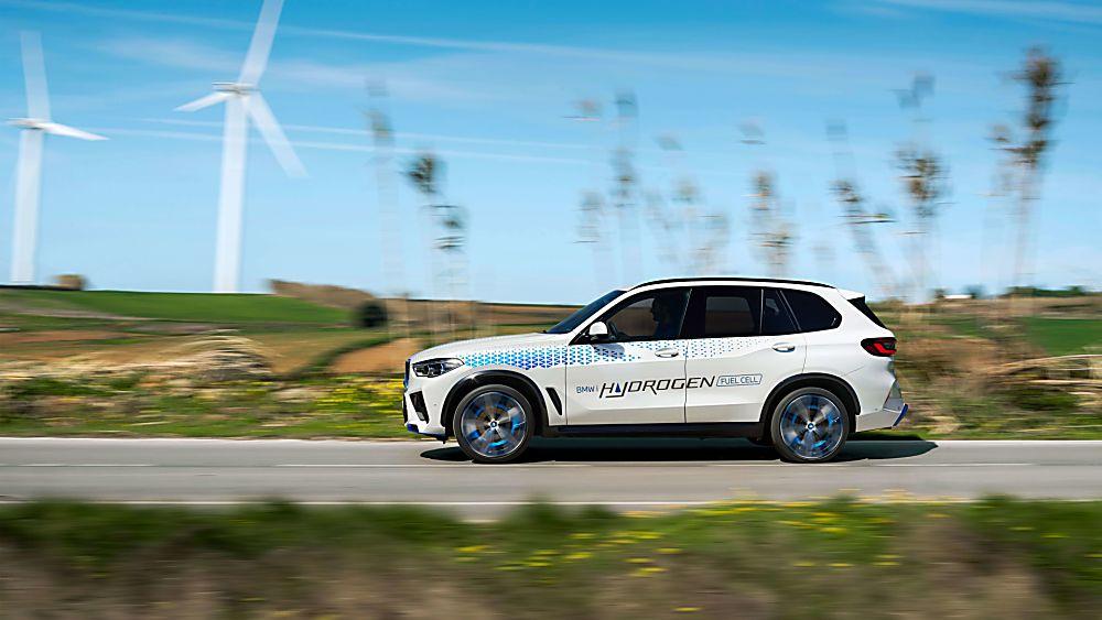 BMW: iX5 Hydrogen to get small production run Hero Side