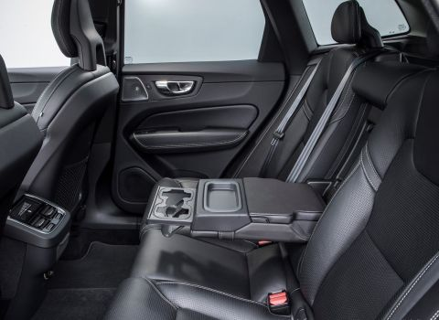 Volvo XC60 T6 AWD Rear interior