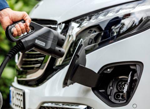 Mercedes-Benz EQV Charging