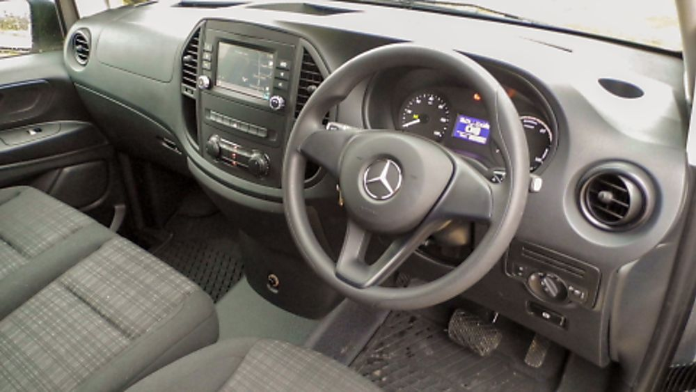 Mercedes Benz E-Vito Interior