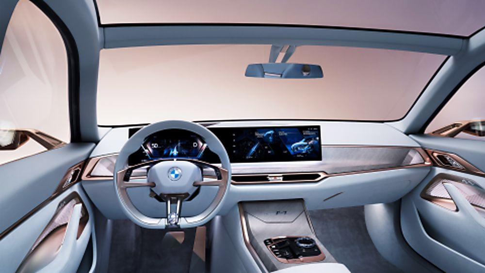 BMW i4 Dash