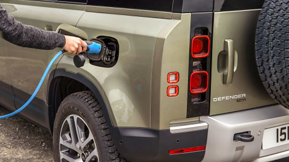 Land Rover Defender PHEV Hybrid charge