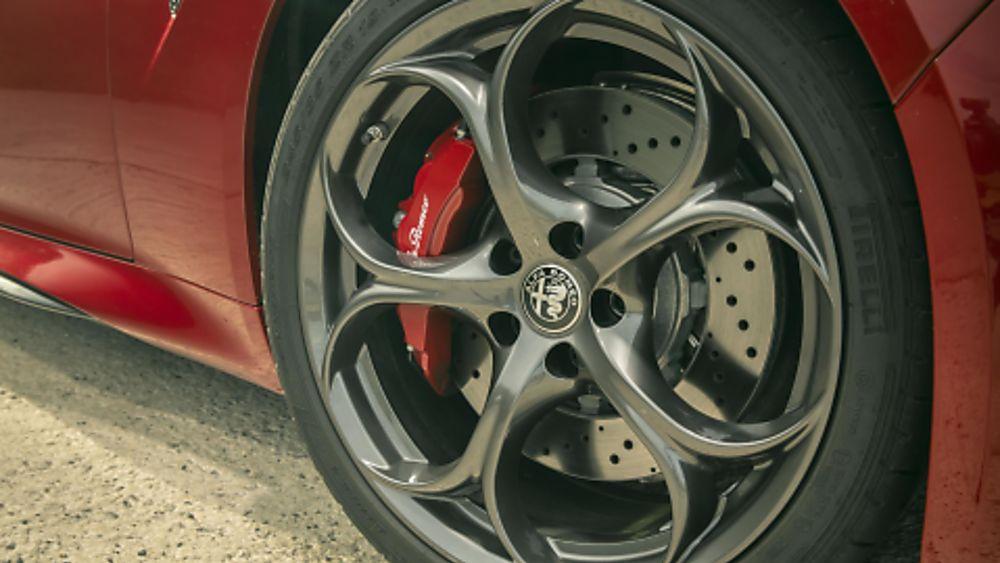 Alfa Romeo Giulia Quadrifoglio Verde Wheels
