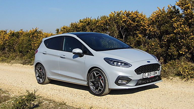 Ford Fiesta ST 5dr front angle