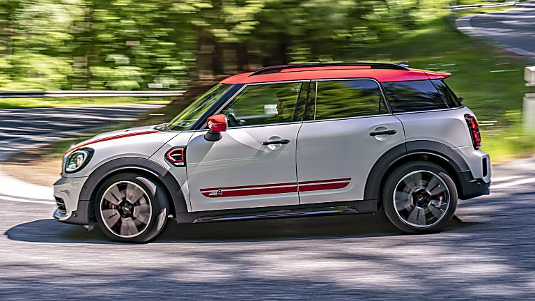 John Cooper Works side view Facelift