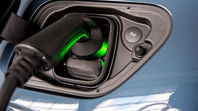 Polestar 2 electronic charging