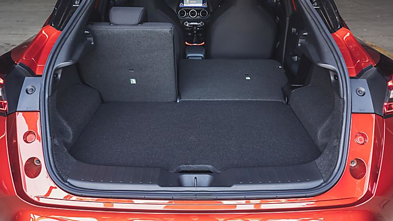Nissan Juke II Interior Boot