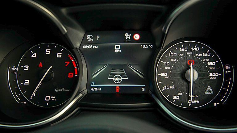 Alfa Romeo Stelvio Quadrifoglio Verde Dashboard