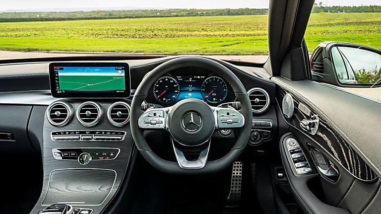 2020 Mercedes-Benz C 300 e PHEV Estate Dashboard