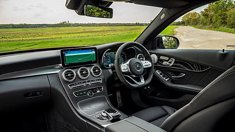 2020 Mercedes-Benz C 300 e PHEV Estate Interior Front