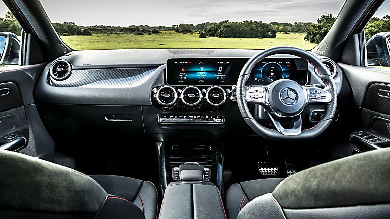 Mercedes-Benz GLA 250 e PHEV Interior Front