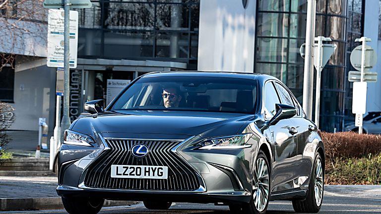 Review: Lexus ES300h saloon - Hero Front
