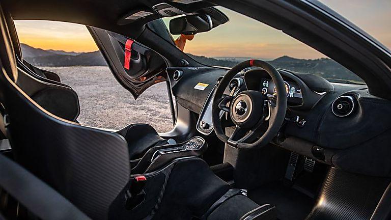 Review: McLaren 620R Cockpit