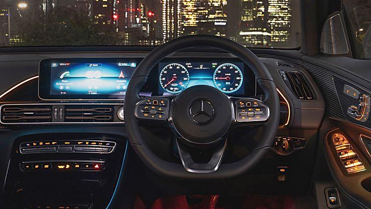 Review: Mercedes-Benz EQC 400 Cockpit