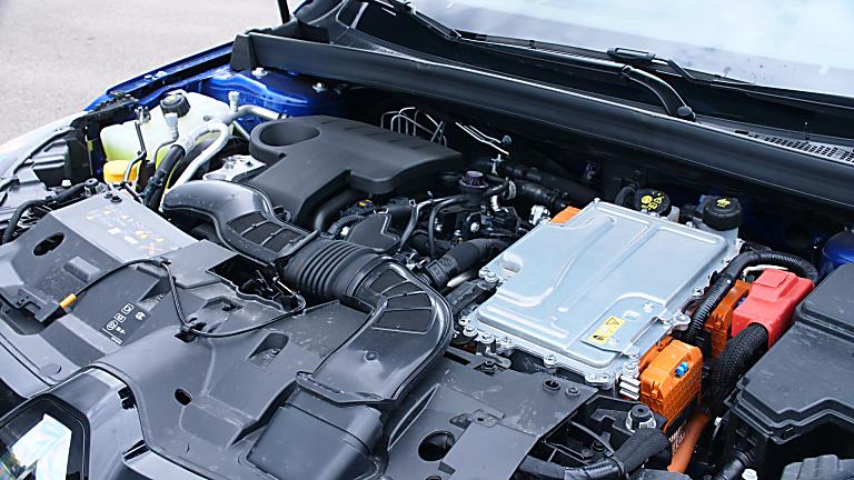 Review: Renault Mégane Sport Tourer E-Tech - Engine