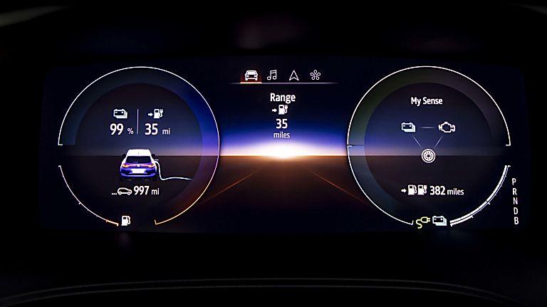 Review: Renault Mégane Sport Tourer E-Tech - Virtual Cockpit