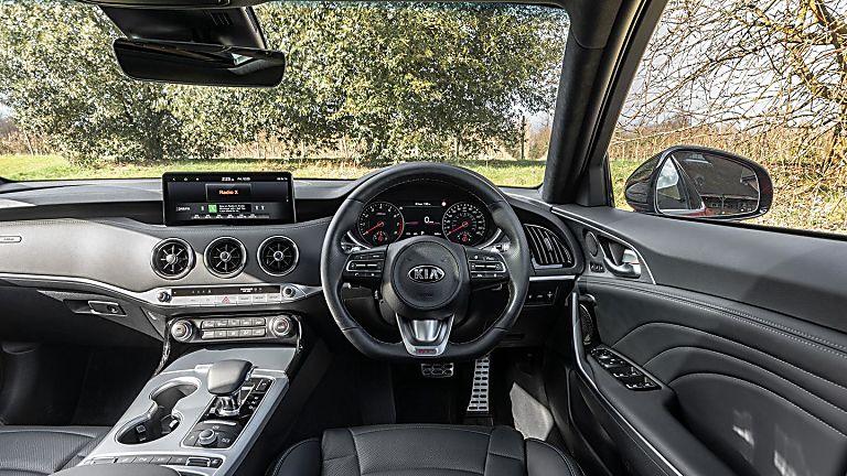 Review: KIA Stinger GT S Cockpit