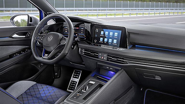 Volkswagen: All-new 316bhp Golf R Estate Cockpit