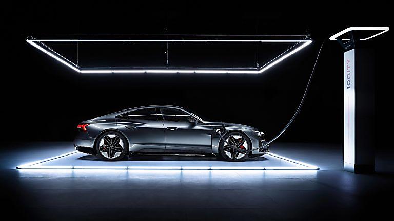 Review: Audi e-tron GT quattro Charging
