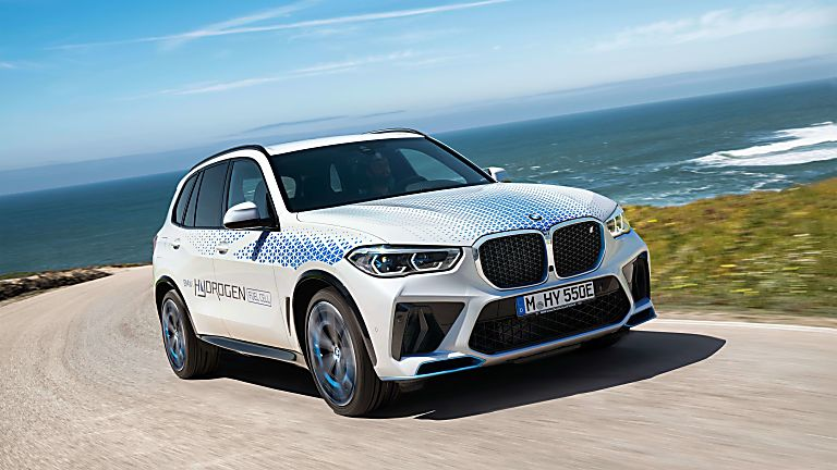 BMW: iX5 Hydrogen to get small production run On the road corner