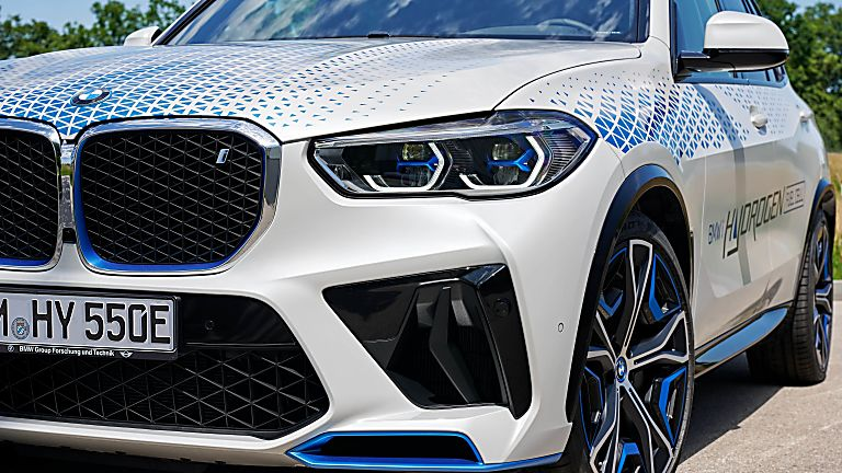 BMW: iX5 Hydrogen to get small production run Front Close
