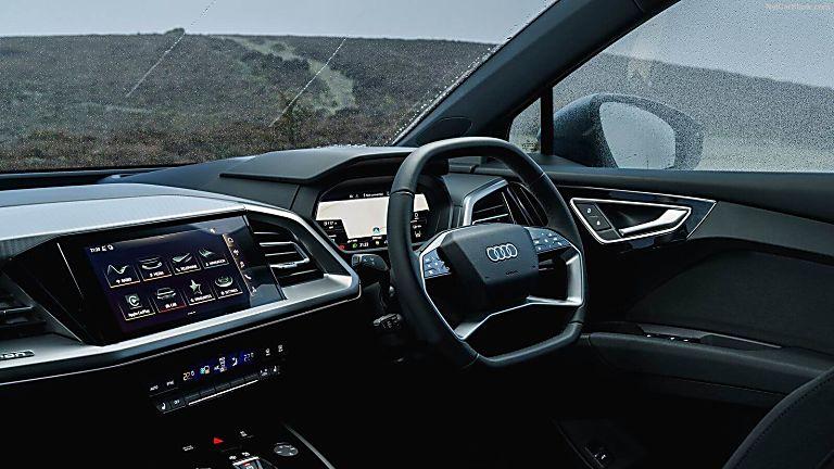 Review: Audi Q4 e-tron Cockpit