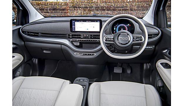Review: Fiat New 500 EV hatch Cockpit