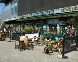 bar Corcoran's Les Lilas