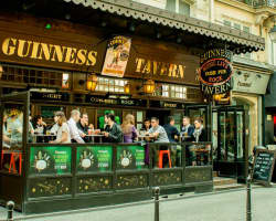 bar Guinness Tavern