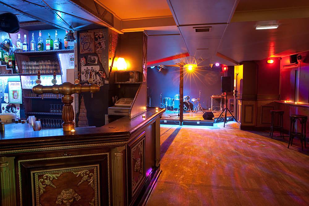 Bars Paris : concerts, musique live et DJ sets