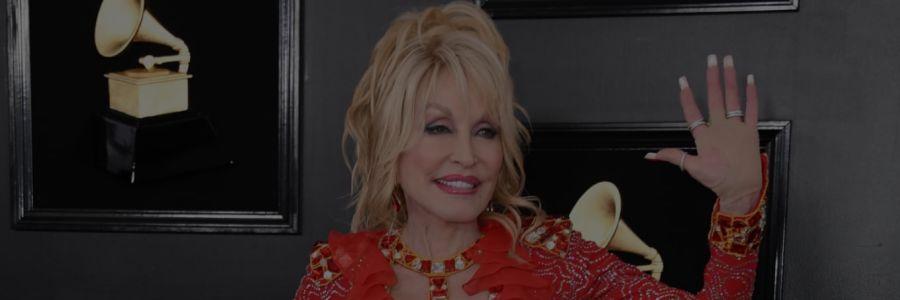 C'est cocasse, Dolly Parton a enregistré une chanson secrète qui restera enfermée dans une boite jusqu'en 2045