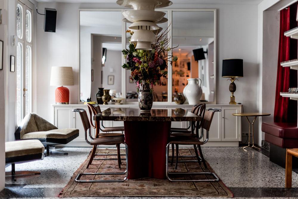 bar le pigalle paris. Black Bedroom Furniture Sets. Home Design Ideas