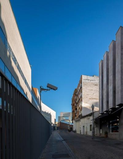 Detalle inferior de la construcción en edificio Moreiras en Mérida