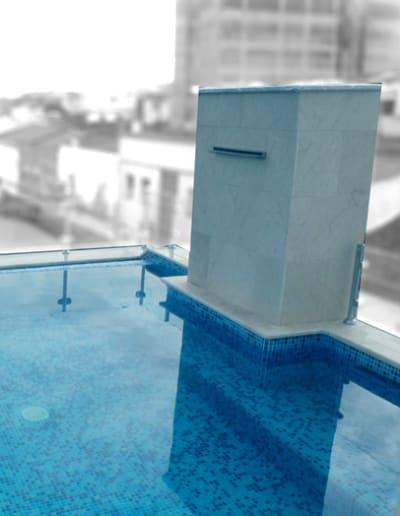 Diseño de piscinas infinita en áticos