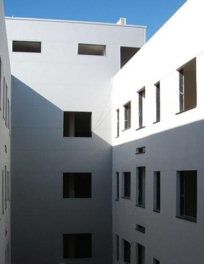 Edificios modernos de nueva construcción en Mérida