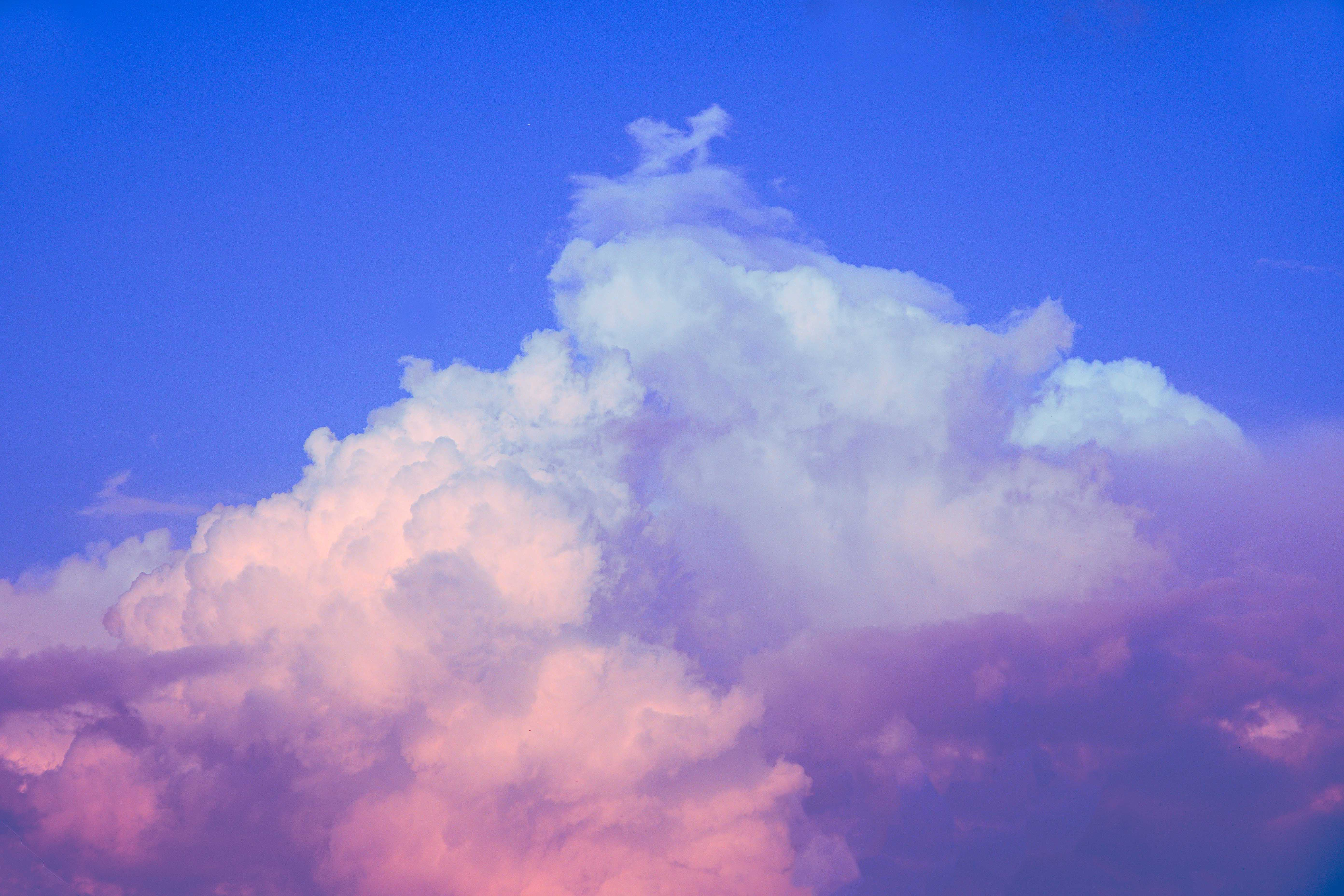A photo of clouds