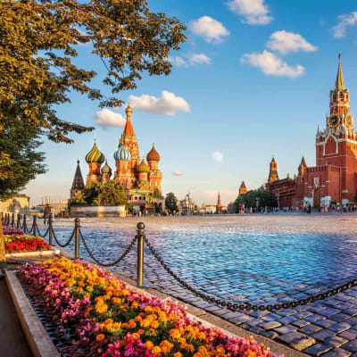 Det världsarvsklassade Röda Torget med Vasilijkatedralen och Spasskajatornet